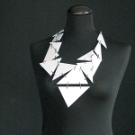 SILVER DUST – silver gray with black steel links