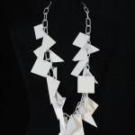 BIJELA PVC na bijelo lakiranom lancu